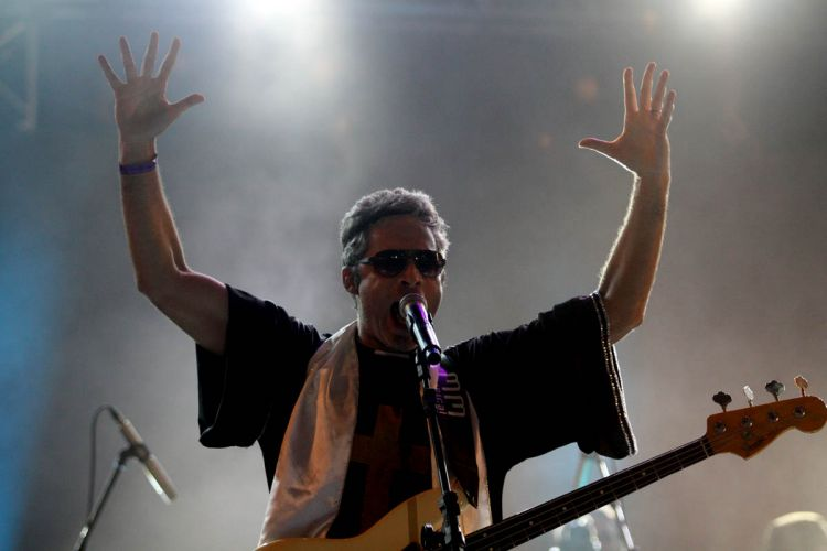 O cantor Alceu Valença fez seu último de três shows no Marco Zero, na cidade de Recife (9/3/2011)