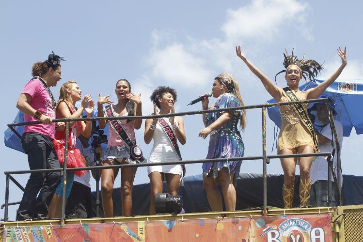 Famosos curtem o Bloco da Preta, comandado por Preta Gil, neste domingo, no Rio de Janeiro (27/02/2011)