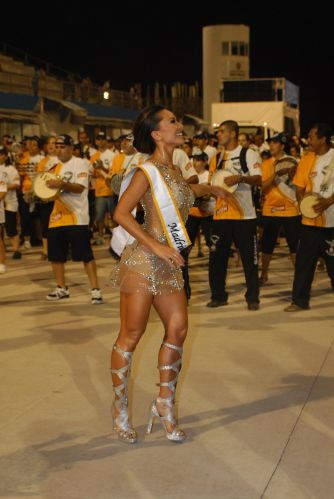Sabrina Sato participa de ensaio tcnico da Gavies da Fiel no Anhembi, em So Paulo (14/2/2011)