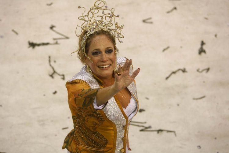 A atriz Susana Vieira desfila com a Grande Rio na Sapucaí (07/03/2011)