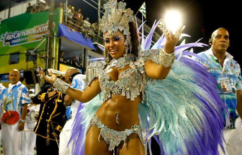 Comissão de frente da Beija-Flor. Escola fechou os desfiles do Grupo Especial do Rio de Janeiro (07/03/2011)