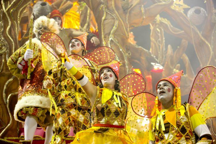 Destaques de alegoria da escola desfilam na sexta-feira que abre o Carnaval de São Paulo (04/03/2011)
