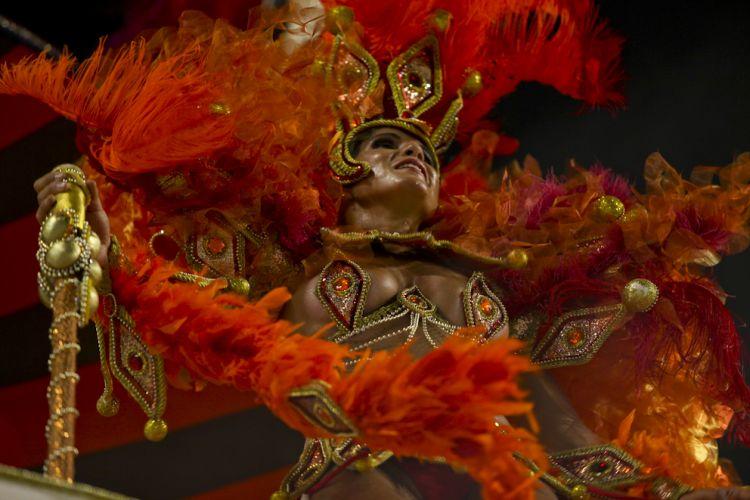 Destaque de alegoria da escola desfila na sexta-feira que abre o Carnaval de São Paulo (04/03/2011)
