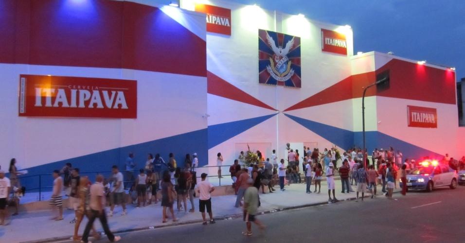 Frente da quadra da escola de samba União da Ilha do Governador, que foi reinaugurada neste domingo (18/12/11)