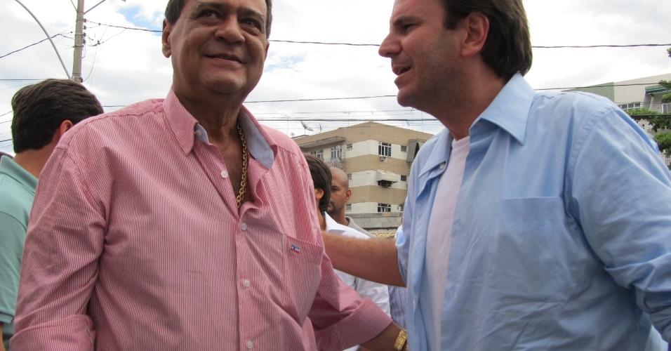 Ao lado de Ney Filardi, o prefeito Eduardo Paes participa da reinauguração da quadra da escola de samba União da Ilha do Governador neste domingo (18/12/11)