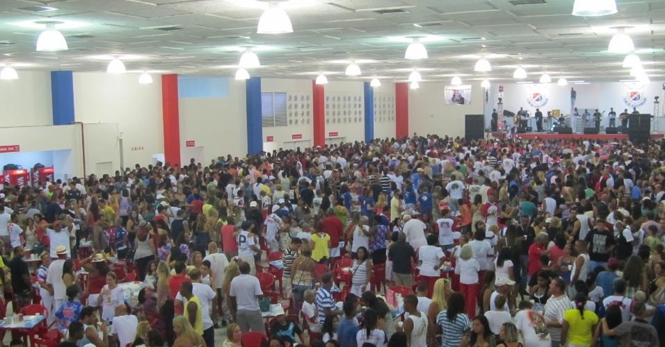 Vista geral da quadra da escola de samba União da Ilha do Governador, que foi reinaugurada neste domingo (18/12/11)