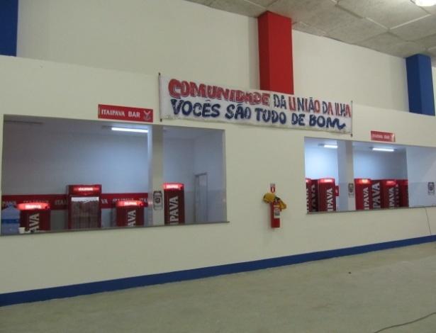 geral da quadra da escola de samba União da Ilha do Governador, que foi reinaugurada neste domingo (18/12/11)