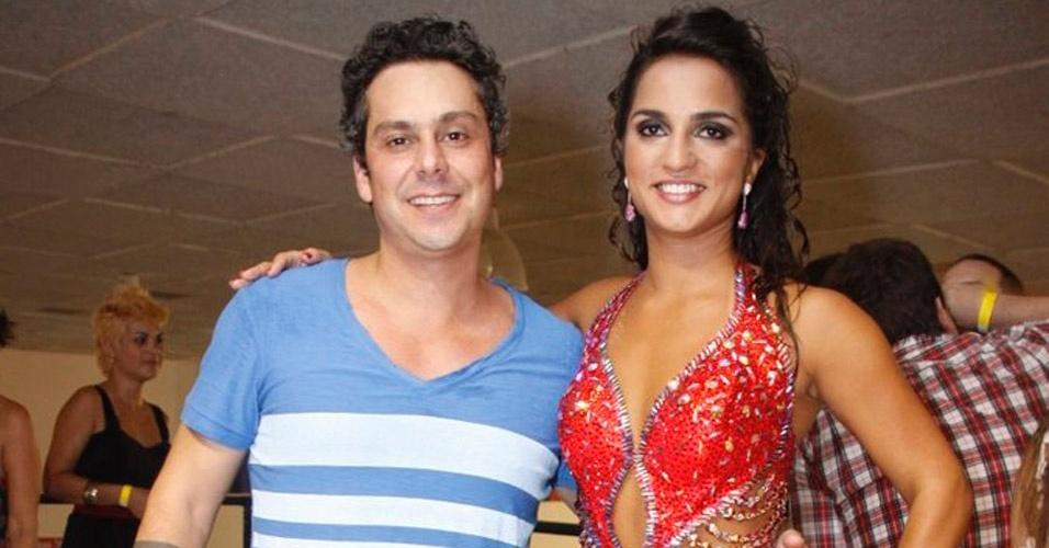 Alexandre Neto e Bruna Bruno na coroação da rainha de bateria da Ilha
