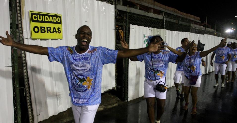 A Beija-Flor realizou neste domingo (8) um ensaio técnico no sambódromo da Sapucaí, no Rio de Janeiro