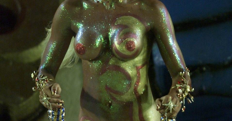 Em 2003, a modelo Ângela Bismarchi foi destaque da Caprichosos de Pilares, com o enredo sobre Zumbi (3/3/2003)