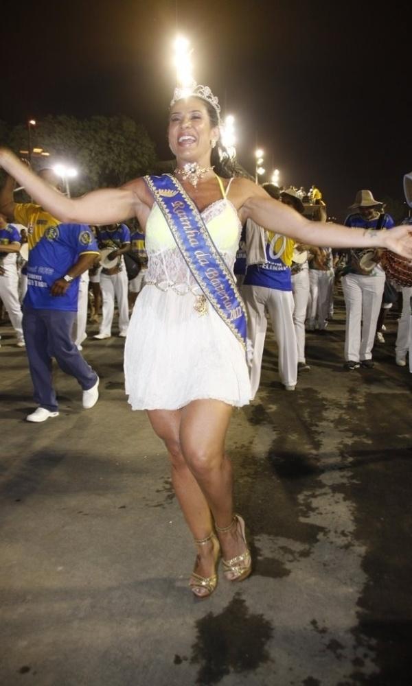 Sheila Carvalho participa de ensaio técnico da escola de samba Paraíso do Tuiuti