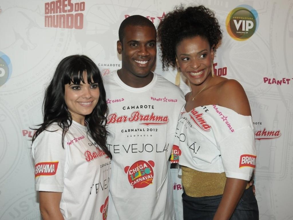 Os atores Vanessa Giácomo, Rafael Zulu e Valquíria Ribeiro compareceram à estreia do Happy Hour pré-Carnaval do Camarote Bar Brahma, em São Paulo. A estreia ocorreu na quarta-feira (18/01/12).