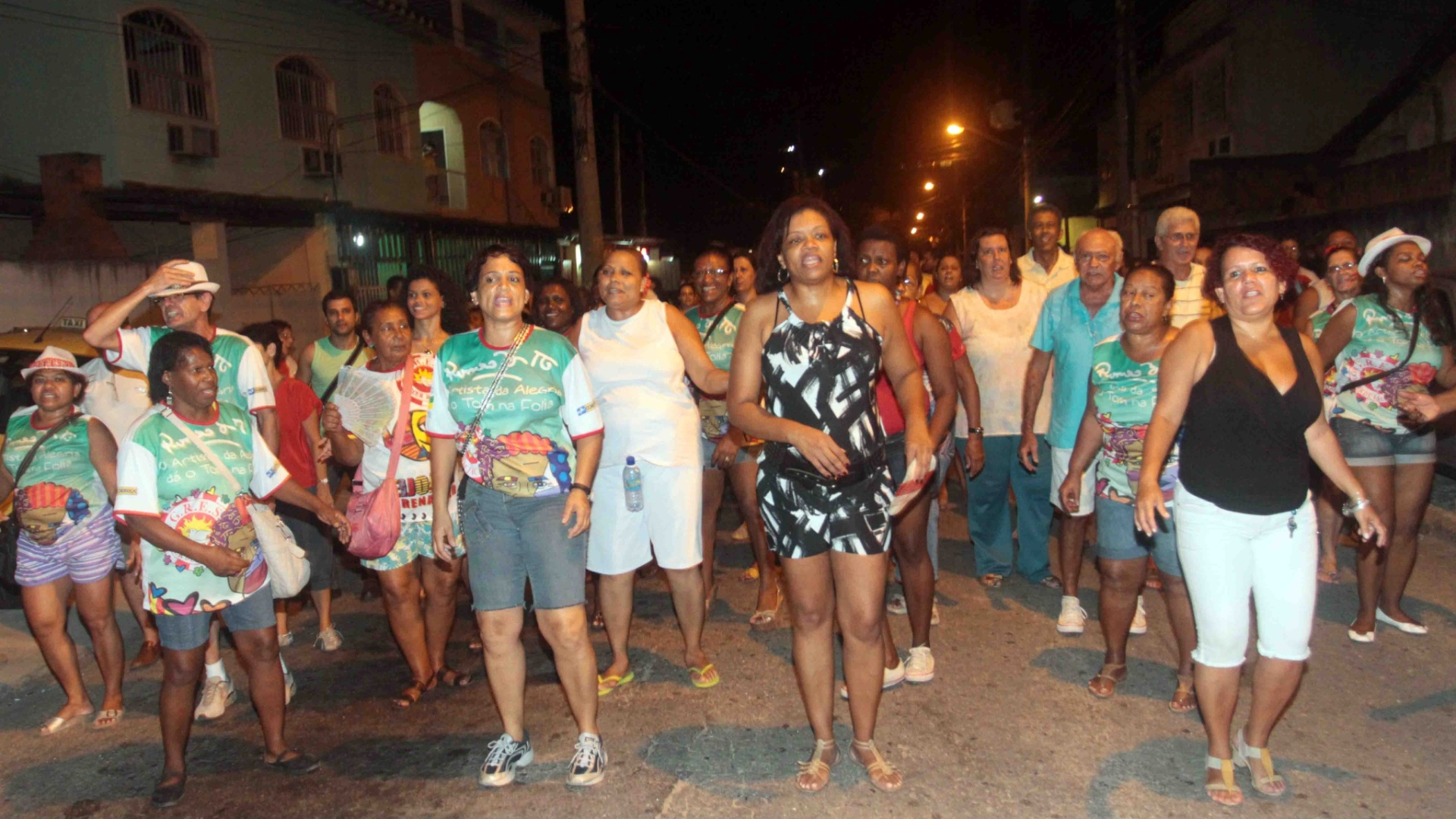 A Renascer de Jacarepagu promoveu na tera-feira (24/01/12) ensaio de rua no Rio de Janeiro.