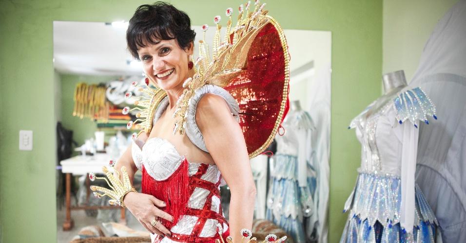 Faa Morena prova sua fantasia para o desfile de Carnaval 2012 na Tom Maior (26/01/12) em ateliê na zona norte de São Paulo. Pelo quarto ano consecutivo, a apresentadora do