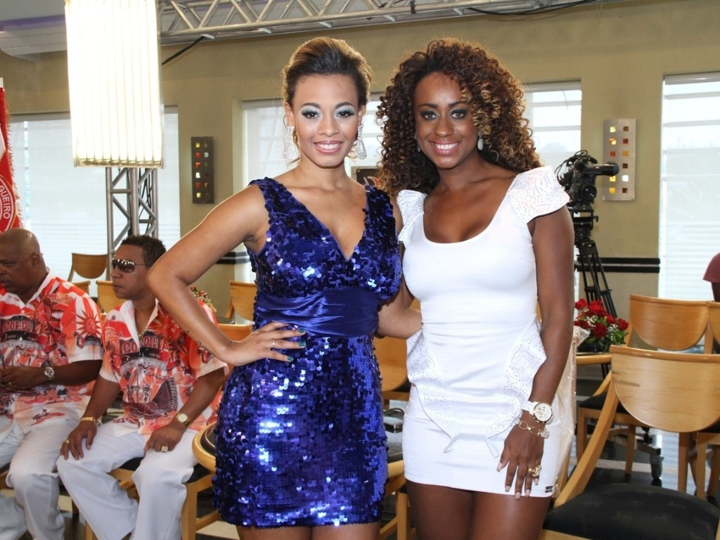 Juliana Diniz e Vânia Love participam da gravação do programa