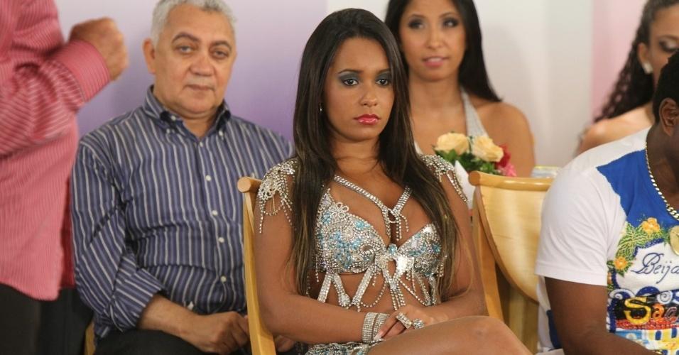 raissa-de-oliveira-rainha-da-bateria-da-beija-flor-participa-da-gravacao-do-programa-samba-de-primeira-em-uma-churrascaria-da-zona-oeste-do-rio-3112-1328032398838_956x500.jpg