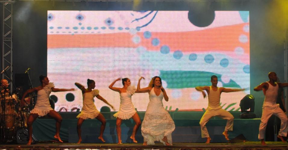 Daniela Mercury também foi um das atrações da Festa da Purificação (31/01/12). A festa é tradicional em Santo Amaro da Purificação, no Recôncavo Baiano, e exalta a padroeira da cidade, Nossa Senhora da Purificação