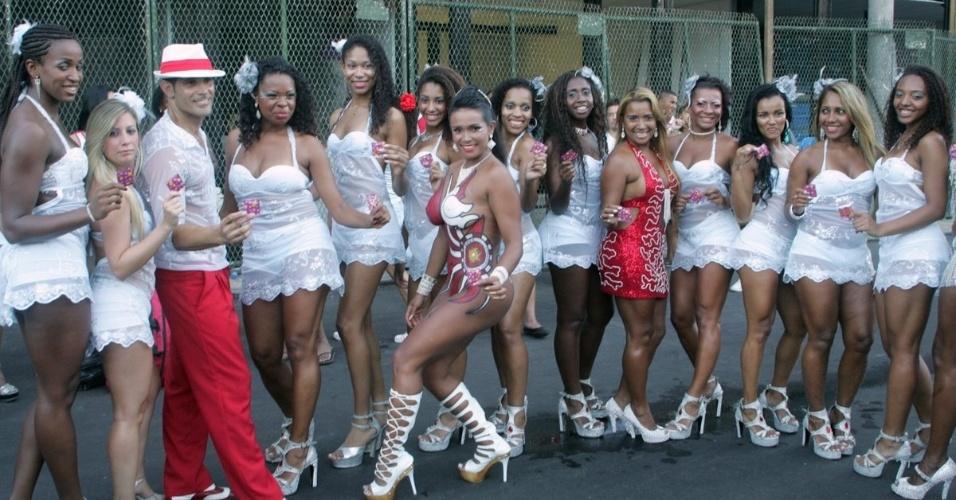 Ensaio de escola de samba rj