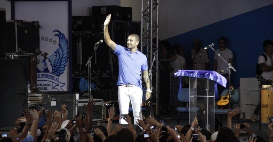 Diogo Nogueira se apresenta na reinauguração da quadra da Portela (4/2/2012)