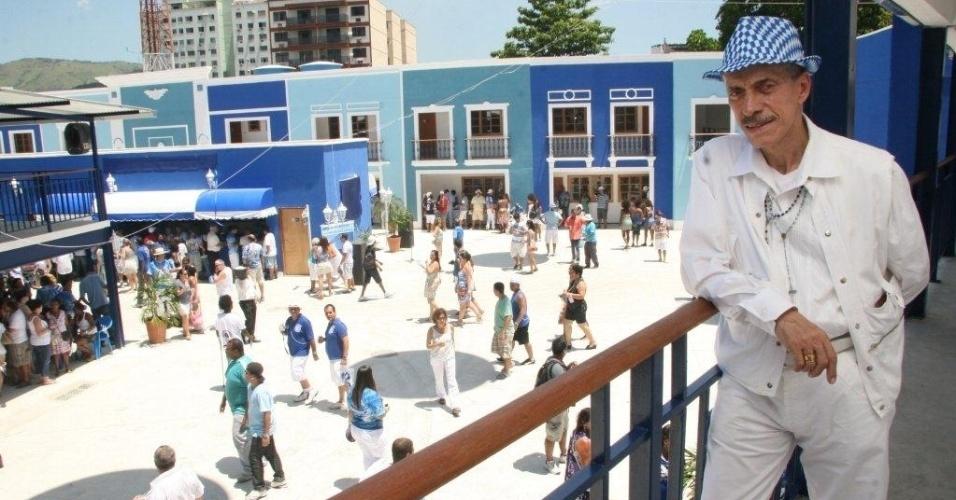 Presidente da escola, Nilo Mendes Figueiredo mostra a nova quadra da Portela no Rio de Janeiro (4/2/12)