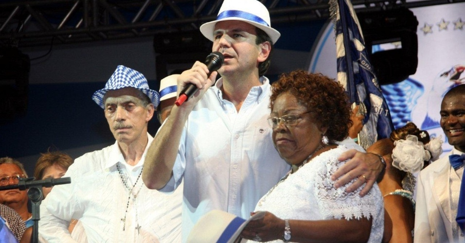 Ao lado prefeito Eduardo Paes e do presidente da Portela Nilo Figueiredo, Surica e sua feijoada foram atrao da reinaugurao da quadra da Portela, em Madureira (4/2/12)
