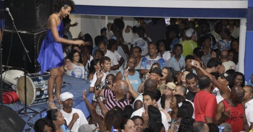 Com a rainha Sheron Menezzes, a Portela realizou ensaio em sua quadra (08/02/12)