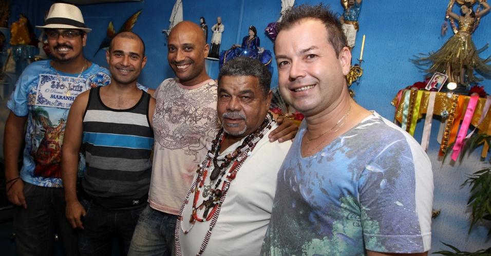 Comissão de Carnaval da Beija-Flor (da esquerda para a direita): André Cezari, Ubiratan Silva, Vítor Santos, Laíla e Fran-Sérgio (fevereiro/2012)