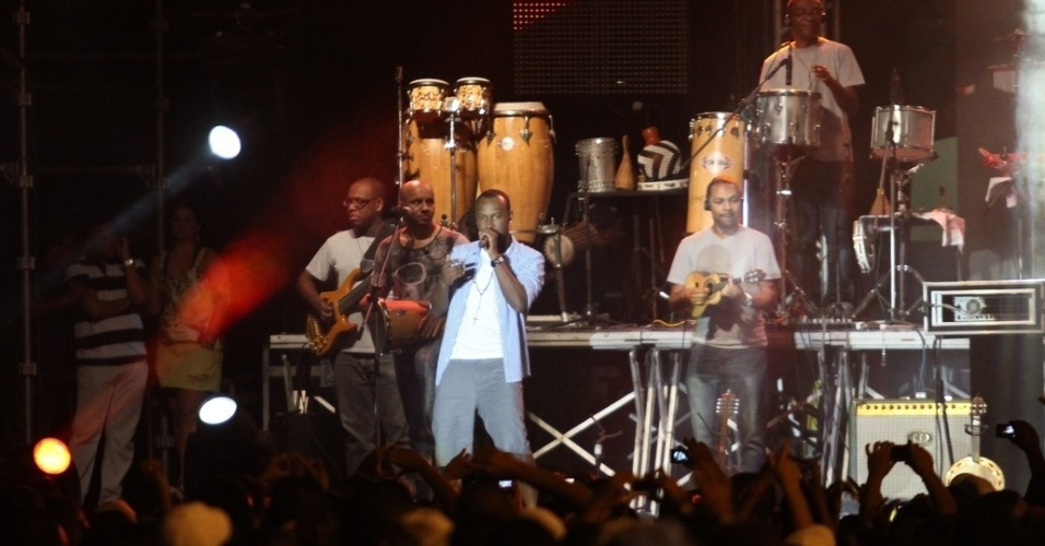 O Exaltasamba participou de ensaio com o Harmonia do Samba durante