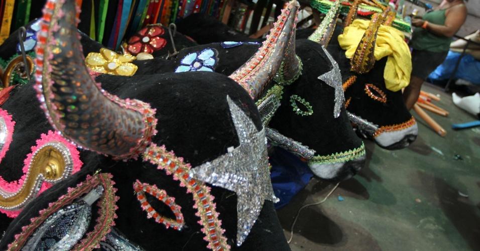 O folclore de São Luís do Maranhão, como o bumba meu boi, será lembrado no quarto segmento do desfile da Beija-Flor (9/2/12)