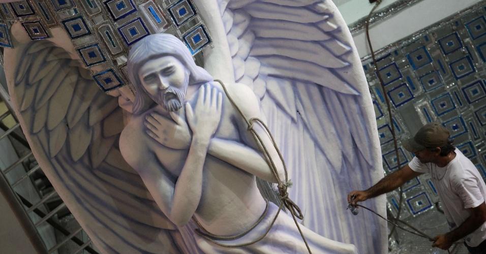 A fase de Portinari como muralista também será lembrada na quarta alegoria da Mocidade, de mais de 20  metros de comprimento e lembra os azulejos da Igreja da Pampulha, em Belo Horizonte, e o Palácio Capanema, no Rio de Janeiro (10/2/12)