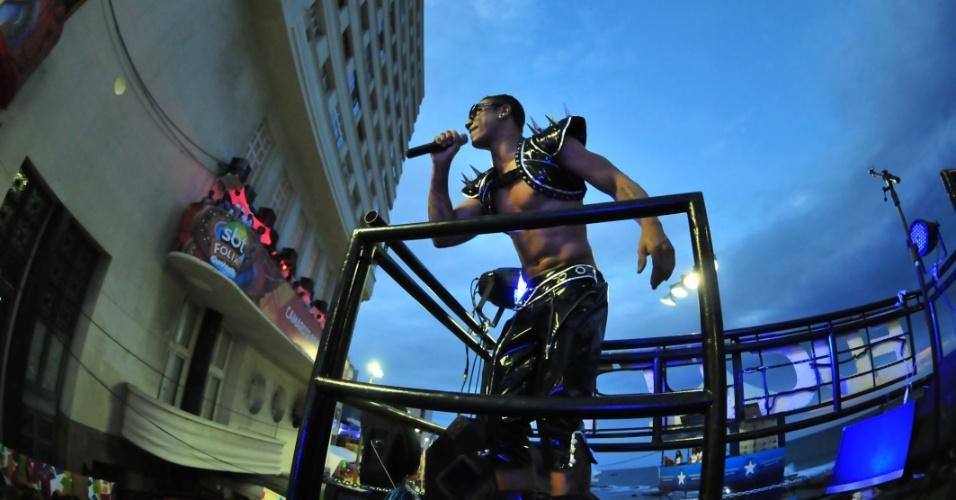 O cantor EdCity tocou no circuito Barra-Ondina (Dodô) durante o Carnaval de Salvador (16/2/12)