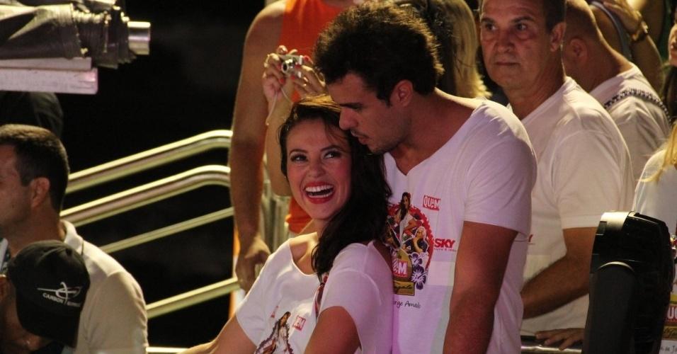 Paola Oliveira curte trio eletrico da cantora Ivete Sangalo acompanhada de seu companheiro Joaquim Lopes(16/2/12)