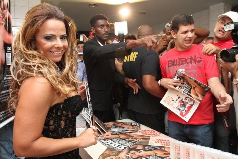 ... Viviane Araújo participou do lançamento da edição da revista