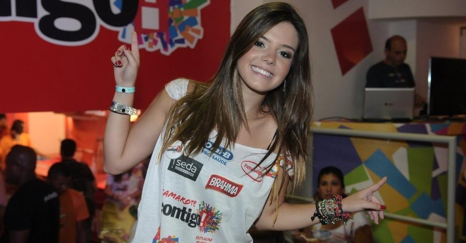 Giovanna Lancellotti chega ao Camarote Contigo, em Salvador (17/2/12)