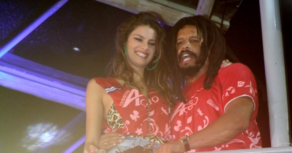 Isabeli Fontana e Rohan Marley curtem o Carnaval de Salvador no Camarote A&#231;&#227;o na madrugada desta sexta (17/2/12)