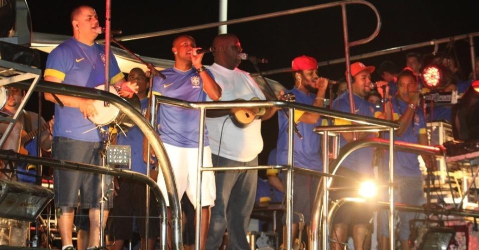 Exaltasamba se apresenta no Carnaval de Salvador (19/2/12)