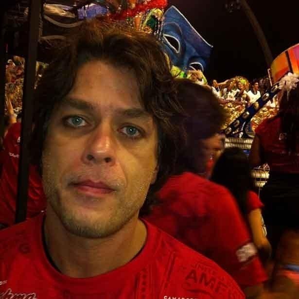 Fábio Assunção passa por camarote antes de seguir para a concentração da Gaviões da Fiel, escola em que ele desfila, na madrugada de domingo (19/2/12)