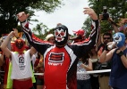 Duelos marcam carnaval dos mascarados de Olinda no bloco Mucha Lucha - Eduardo Queiroga/UOL