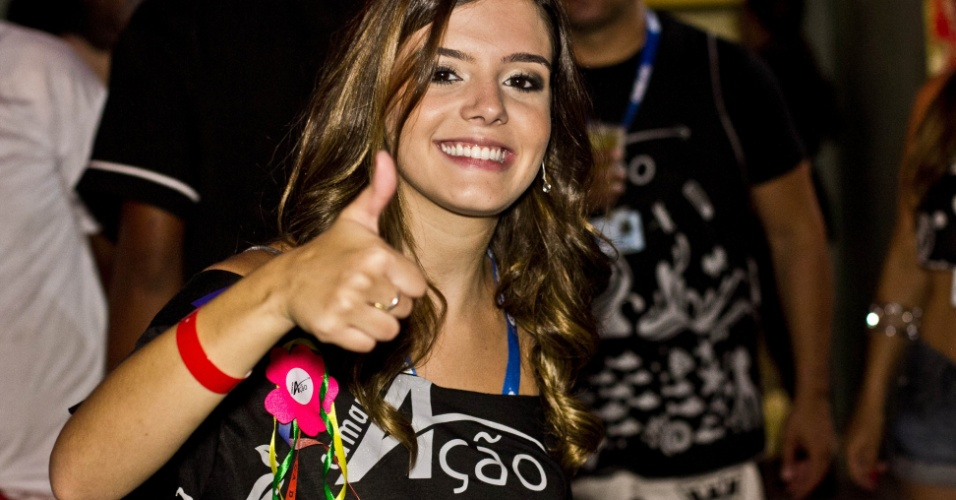 Giovanna Lancellotti esbanjou simpatia no Camarote A&#231;&#227;o 2012 em Salvador (19/2/12)