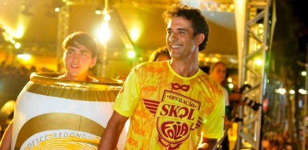 Marcos Pasquim chega no camarote Skoll em Salvador (19/2/12)