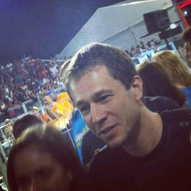 Thiago Leifert compareceu ao camarote da Prefeitura no segundo dia do Carnaval Paulistano (19/2/12)