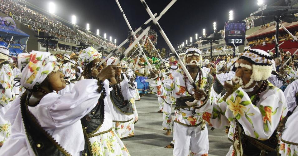 Beija-Flor de Nilópolis, campeã de 2011 com enredo sobre Roberto Carlos apresenta a cidade de São Luis do Maranhão (20/2/2012)