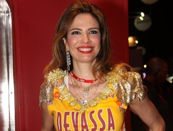 Luciana Gimenez aproveita Carnaval no camarote Devassa (19/2/12)