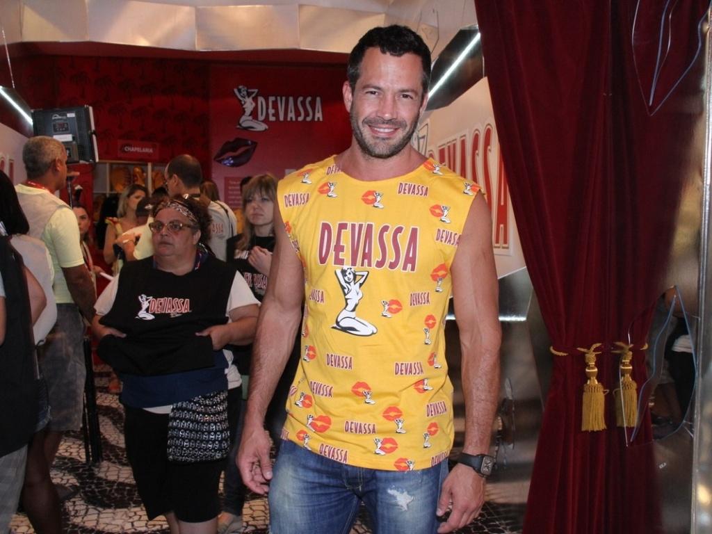 Malvino Salvador no camarote Devassa, no Carnaval do Rio (20/2/12)