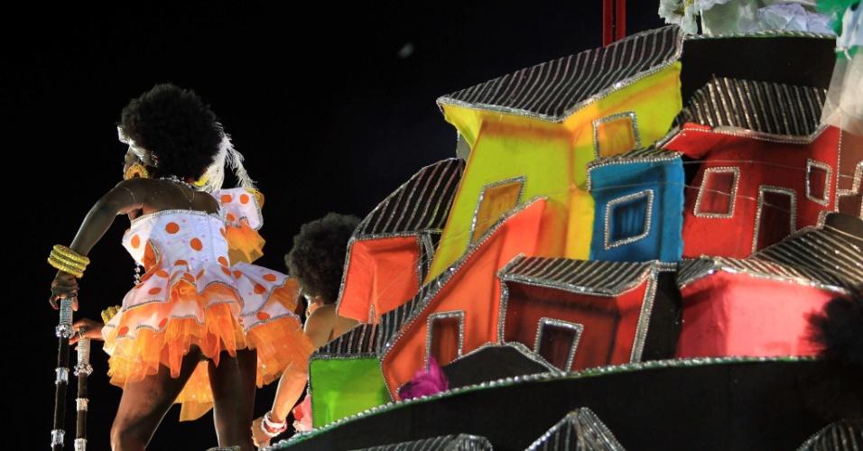 Mocidade Independente de Padre Miguel apresenta enredo sobre o pintor brasileiro Candido Portinari na primeira noite de desfiles na Sapucaí (20/2/2012)