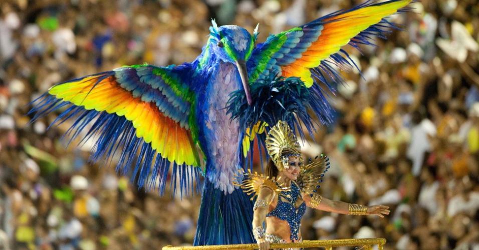 Pássaro está em carro da Beija-Flor que mostra belezas de São Luis do Maranhão (20/2/2012)