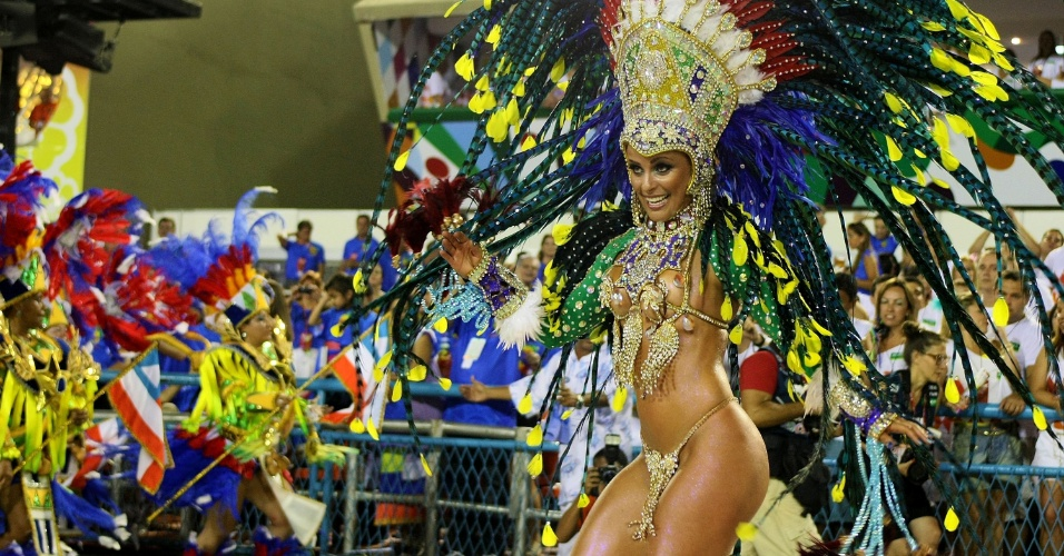 A Portela uniu os ritmos do samba carioca e do ax baiano na sua volta  disputa do ttulo, com o enredo 
