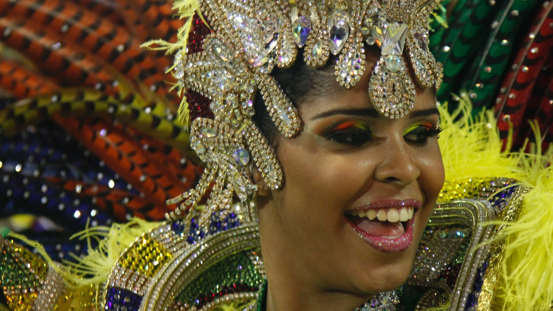 Passista samba no desfile da Imperatriz Leopoldinense na Sapuca, no Rio (19/2/12)