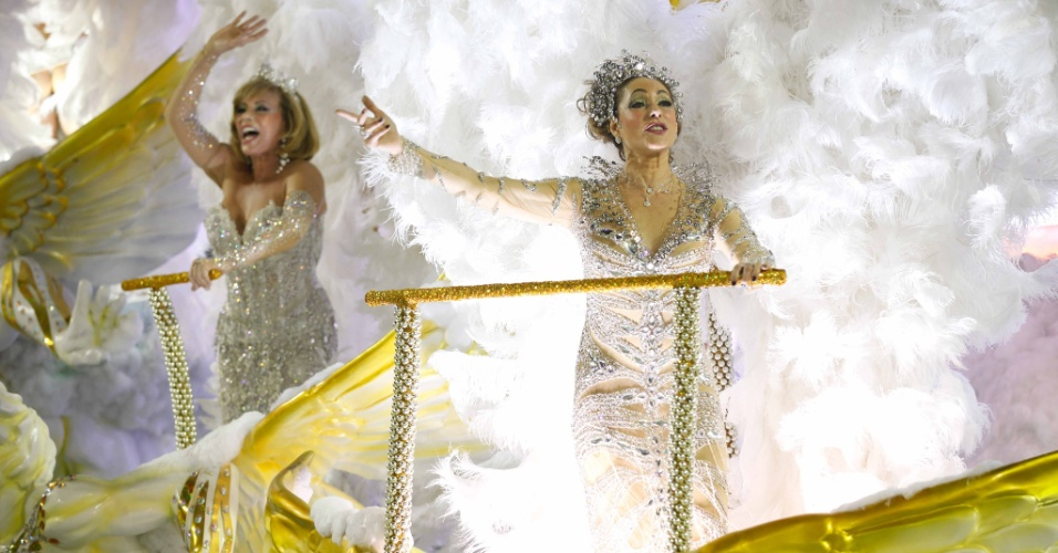 Arlete Salles e Christiane Torloni desfilam como destaques da Grande Rio (21/2/2012)