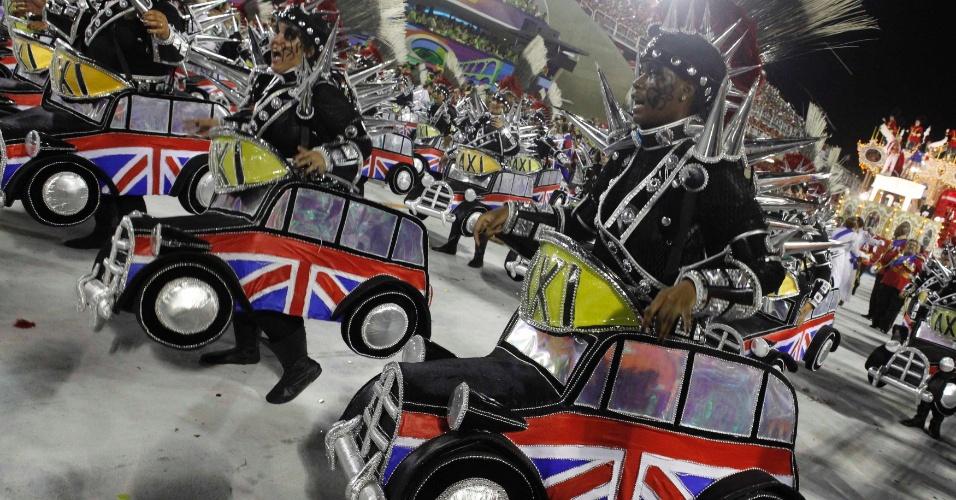 Desfile da União da Ilha do Governador, que fez a ponte entre o samba carioca e Londres (20/2/12)